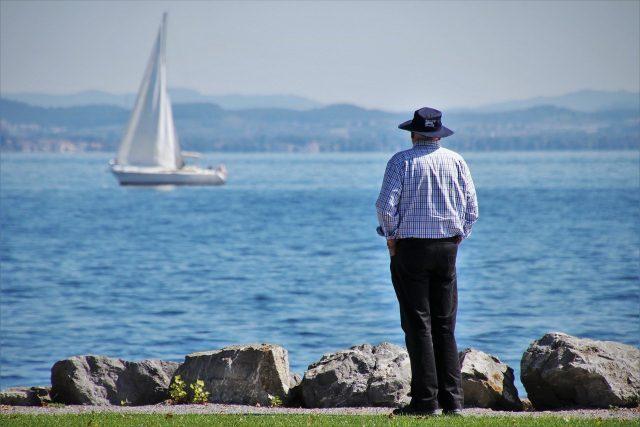 Comment organiser un voyage pour des personnes âgées ?